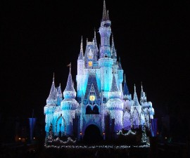 Disney_Orlando_castle_at_night